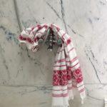Punase lillemustriga hammam rätik