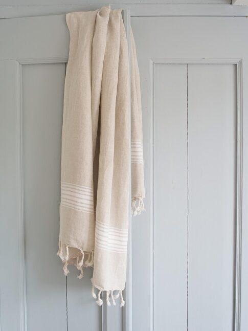 Valgete triipudega linane saunalina 3