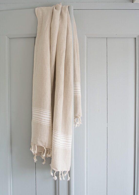 Valgete triipudega linane saunalina