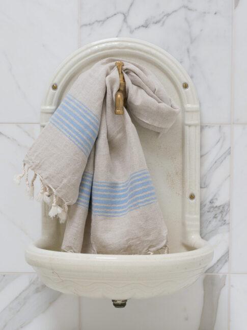 Siniste triipudega linane vannirätik 3