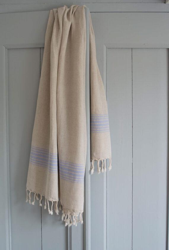 Lavendlivärvi triipudega linane saunalina