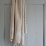 Helesiniste triipudega linane saunalina