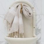 Valgete triipudega linane vannirätik