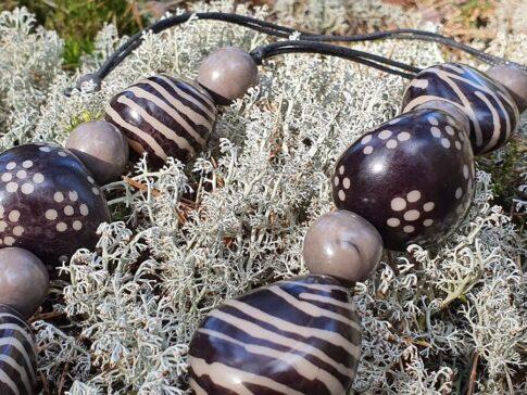 Tagua palmi seemnetest kaelakee Petik