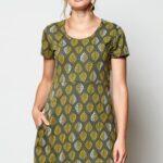 Alt laieneva lõikega kleit-tuunika