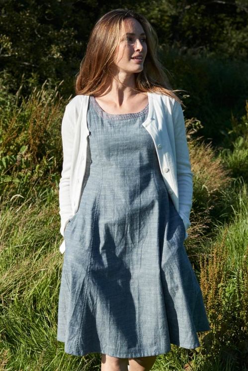 Varrukateta taljes kleit