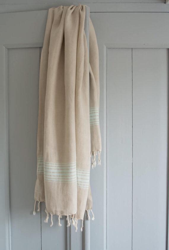 Heletürkiisi värvi triipudega linane saunalina